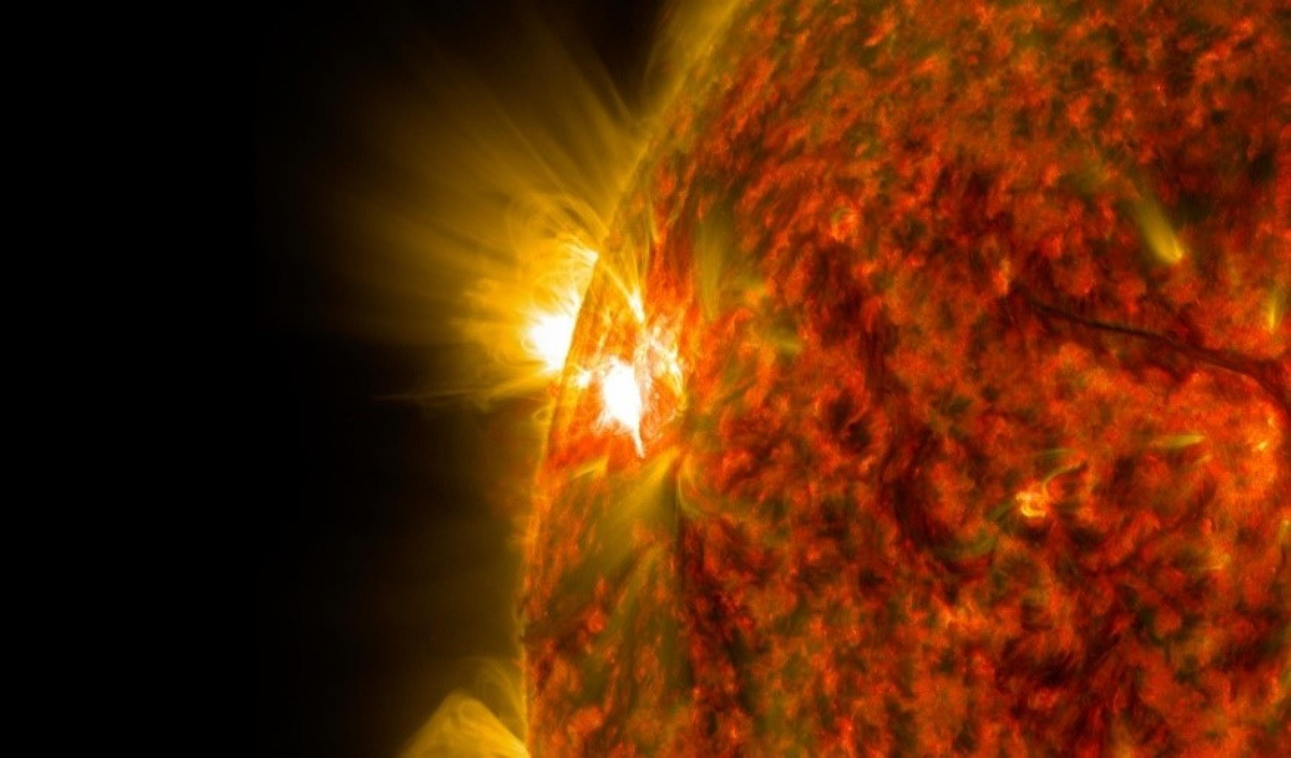 Mid-level flare eruption on the sun
