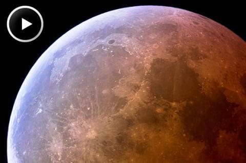 Super-Sized Lunar Eclipse (splash, 558px)